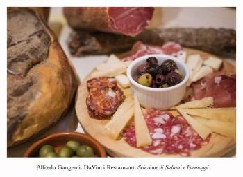 olives with selzione di salumi e formaggi antipasti 3 (Copy)