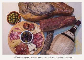 olives with selzione di salumi e formaggi antipasti 4 (Copy)