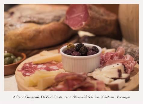 olives with selzione di salumi e formaggi antipasti (Copy)